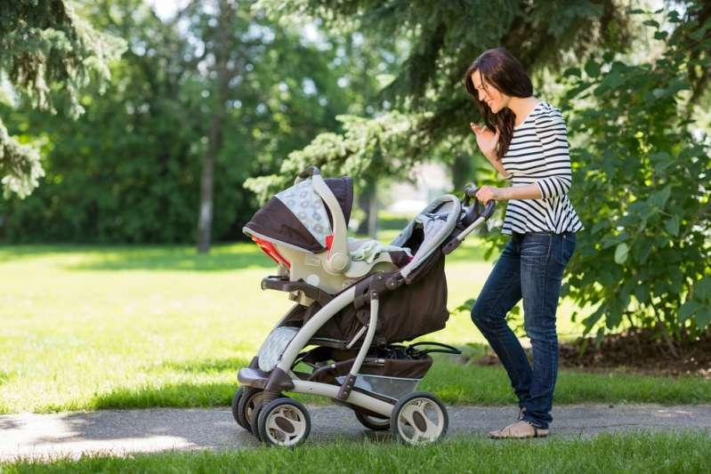 Con el calor del verano, muchos padres cometen un error importante con las carriolas de sus bebésbaby