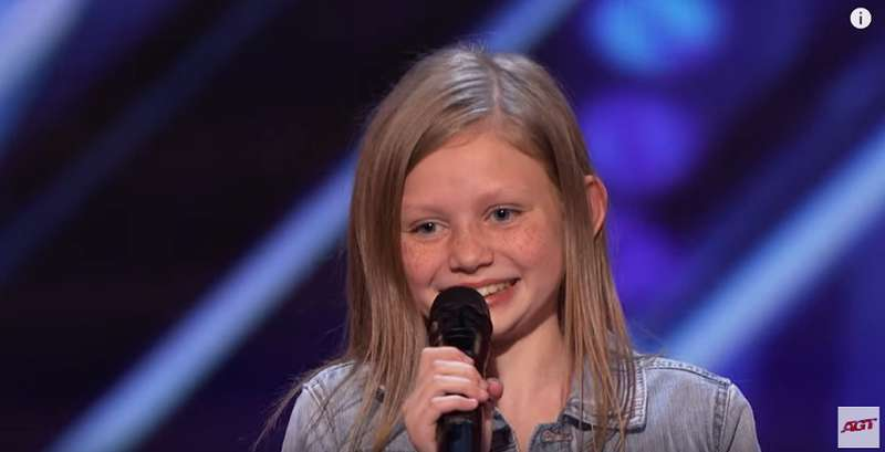 "Simon Cowell Interrupts 12-Years-Old Girl's ""Horrible"" Performance, But She Defends Her Talent By Singing A Capella"