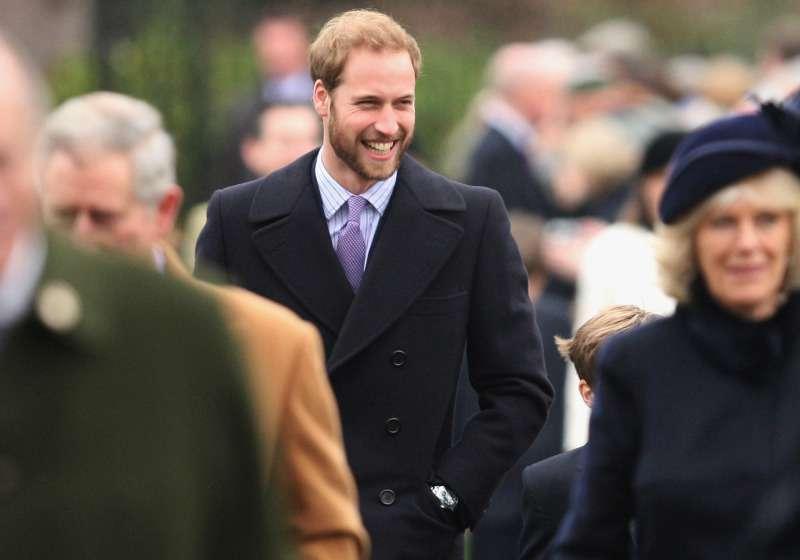 Le prince William a porté la barbe. Whaou ! Il était diablement beau tout comme son frère, le prince Harry