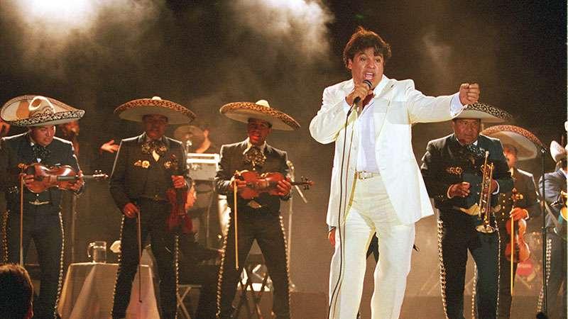 Exmánager de Juan Gabriel asegura que el cantante sigue vivo y que su regreso ya tiene fechaExmánager de Juan Gabriel asegura que el cantante sigue vivo y que su regreso ya tiene fechaExmánager de Juan Gabriel asegura que el cantante sigue vivo y que su regreso ya tiene fecha