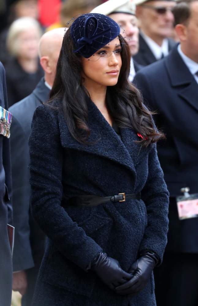 """""""She's Trying To Hide A Baby Bump!': Royal Fans Are Convinced Meghan Markle Is Expecting Again After Her Latest Appearance""""She's Trying To Hide A Baby Bump!': Royal Fans Are Convinced Meghan Markle Is Expecting Again After Her Latest Appearance""""She's Trying To Hide A Baby Bump!': Royal Fans Are Convinced Meghan Markle Is Expecting Again After Her Latest Appearance"""