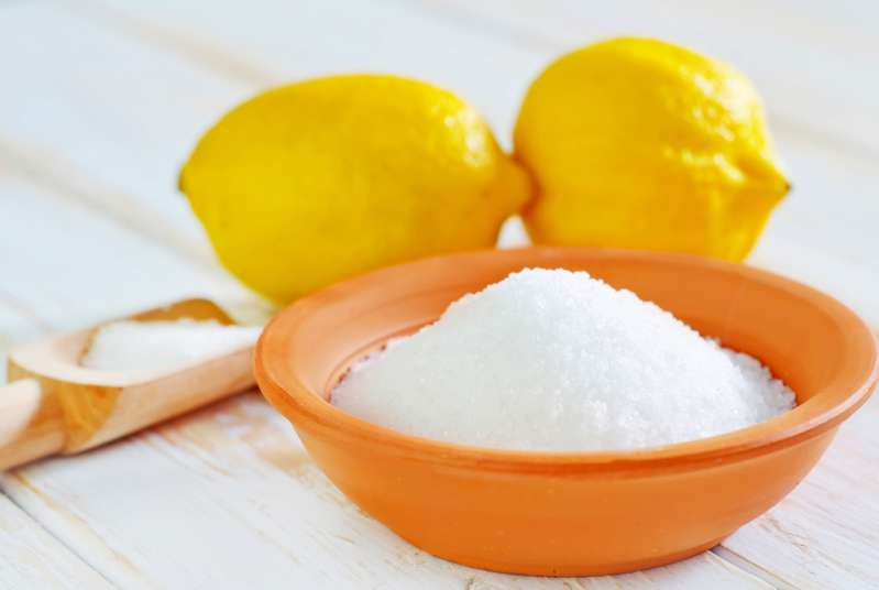 "6 Genius Cleaning Tips That Will Make Your Apartment ""Shine Bright Like A Diamond""lemon acid"