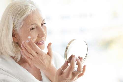 Douceur-bébé : comment empêcher la peau de se déssecher et peler ?