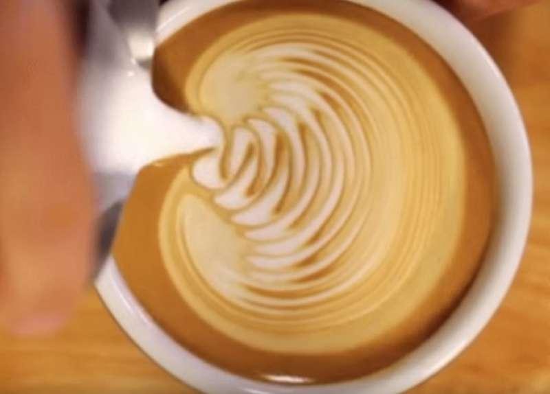 10 uhr ist die perfekte zeit f r eine tasse kaffee sagen wissenschaftler bei fabiosa. Black Bedroom Furniture Sets. Home Design Ideas