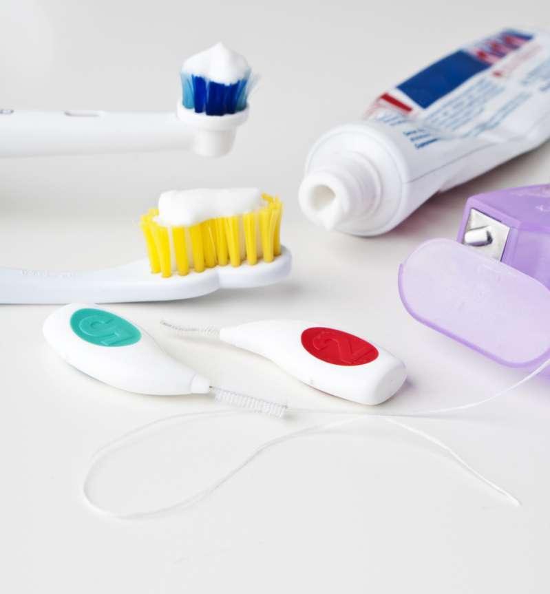 Schützen Sie Ihre weßen Zähne: So verhindern Sie Karies von zu Hause ausdental hygiene
