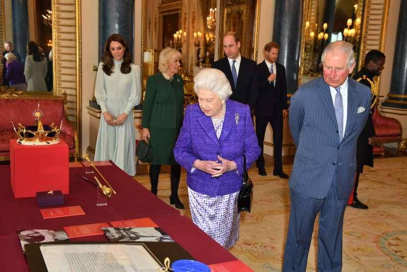 Hay algo muy negativo en las nuevas fotos de Meghan Markle con la Familia Real