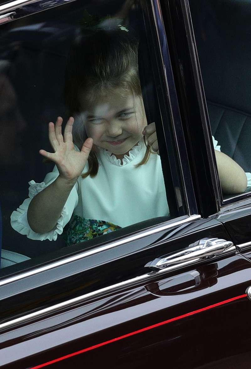 """Детская конкуренция! Маленькая принцесса Монако """"забрала"""" себе фирменную шалость принцессы ШарлоттыДетская конкуренция! Маленькая принцесса Монако """"забрала"""" себе фирменную шалость принцессы ШарлоттыДетская конкуренция! Маленькая принцесса Монако """"забрала"""" себе фирменную шалость принцессы ШарлоттыДетская конкуренция! Маленькая принцесса Монако """"забрала"""" себе фирменную шалость принцессы Шарлотты"""