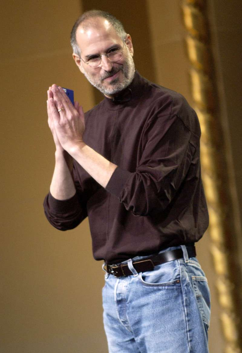 Revelação: A filha mais velha de Steve Jobs confessou que seu pai a forçou a vê-lo em momentos íntimos