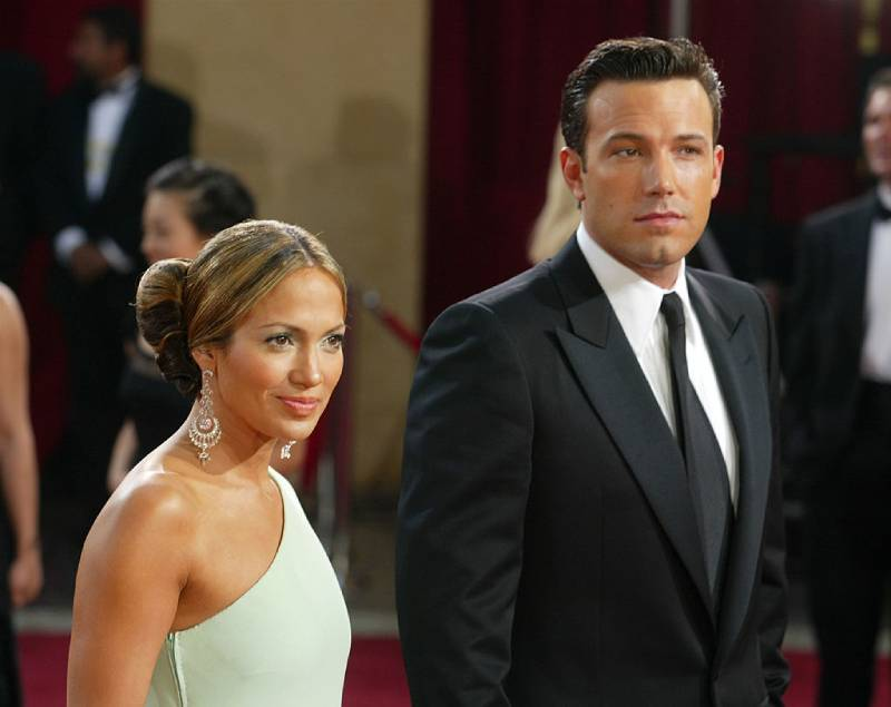 Why Jennifer Lopez And Ben Affleck Called Off Their Wedding Just A Few Days Before The CeremonyActors Ben Affleck and fiancee Jennifer Lopez attend the 75th Annual Academy Awards at the Kodak Theater on March 23, 2003