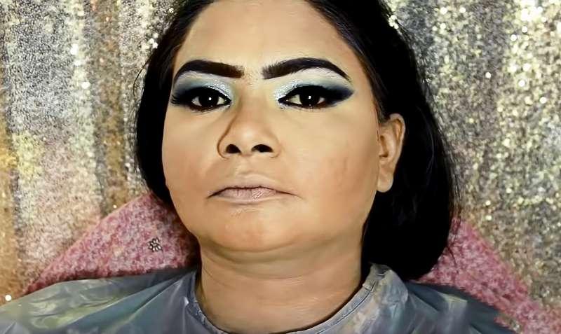Девушка с сильной пигментацией на лице после макияжа превратилась в красотку с обложек журналовДевушка с сильной пигментацией на лице после макияжа превратилась в красотку с обложек журналовДевушка с сильной пигментацией на лице после макияжа превратилась в красотку с обложек журналов