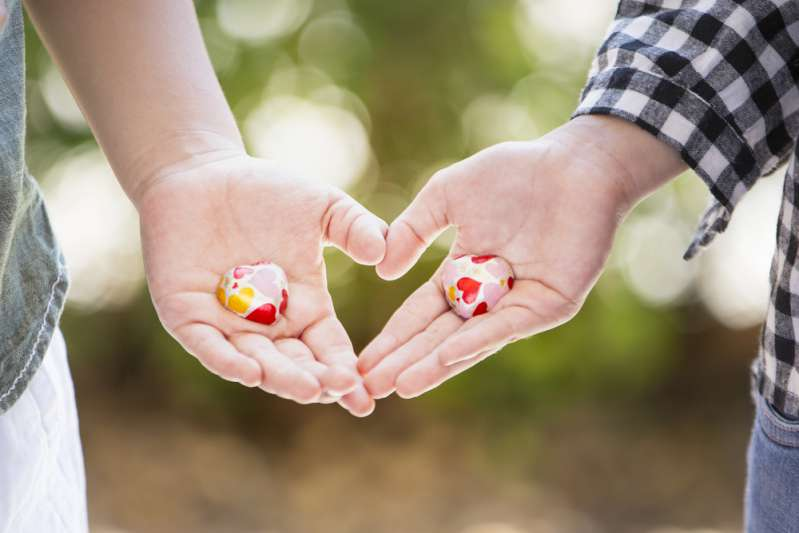 3 Signs Who Love Unconditionally. People Wrap Them Around Their Little Finger