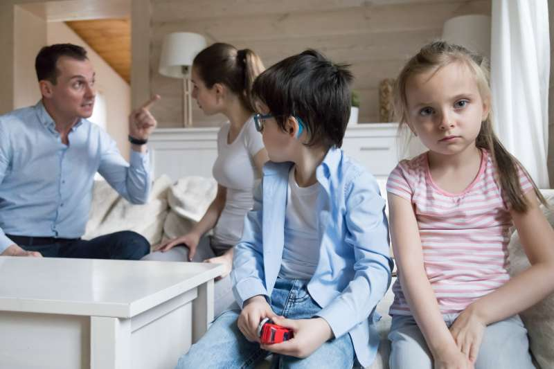 5 Signs Of A Dysfunctional Family. Is Everything Fine With Your Relatives?
