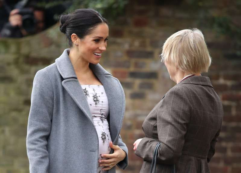 Le comportement de Meghan Markle qui touche son ventre attire l'attention des experts en langage corporelroyal pregnant