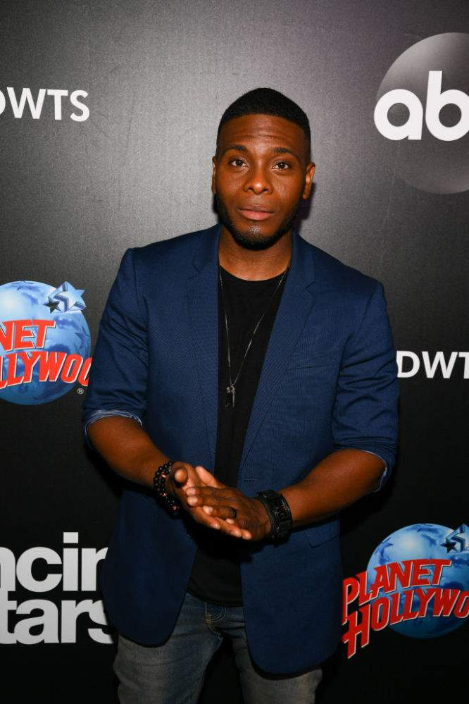 Fans Send Prayers To 'Dancing With The Stars' Kel Mitchell Whose Beloved Father Underwent Urgent Brain Surgery