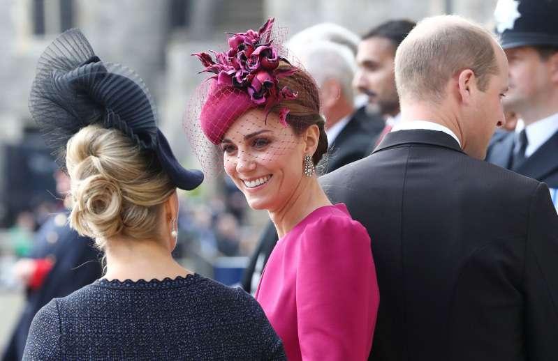 Pourquoi Meghan ne porte-t-elle pas les bijoux de la collection royale de la reine comme Kate ?.
