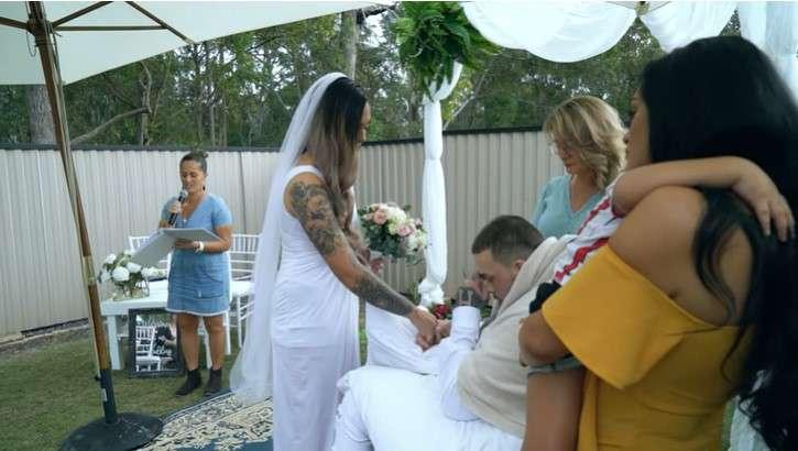La mariée a épousé l'amour de sa vie un jour avant qu'il soit emporté par une tumeur au cerveau