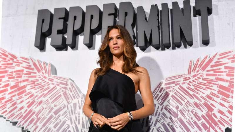 Jennifer Garner attending the premiere of a movie