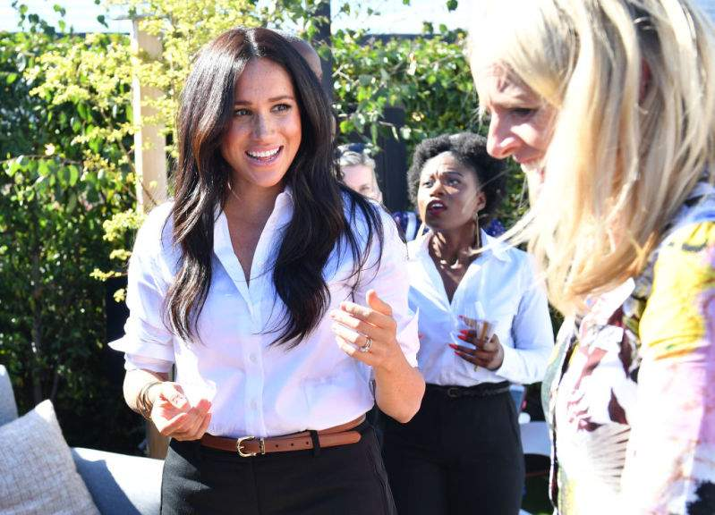 """""""She's A Rare Gem."""" Meghan Markle Hailed As A 'Great Speaker' During Her Speech At Smart Works Collection Launch""""She's A Rare Gem."""" Meghan Markle Hailed As A 'Great Speaker' During Her Speech At Smart Works Collection Launch""""She's A Rare Gem."""" Meghan Markle Hailed As A 'Great Speaker' During Her Speech At Smart Works Collection Launch"""