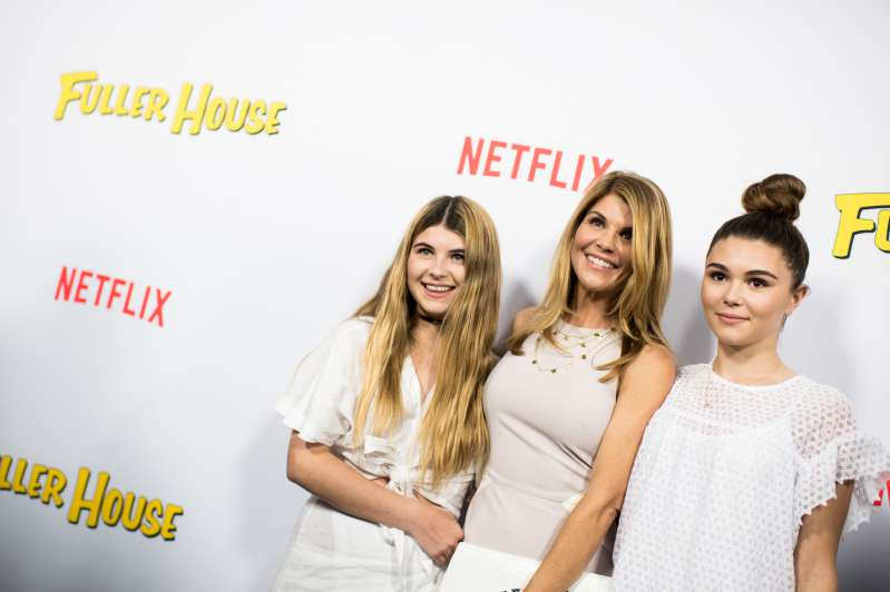 'Full House' Star Lori Loughlin's Two Daughters All Grew Up And Look As Stunning As Their Mother