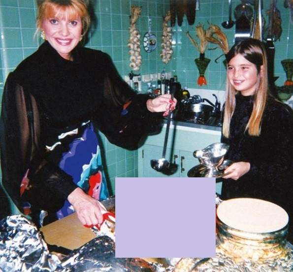 """Happiness Is Homemade:"" Ivanka Trump Posts Sweet Throwback Of Herself As A Child And Her Mom Enjoying Thanksgiving Together"