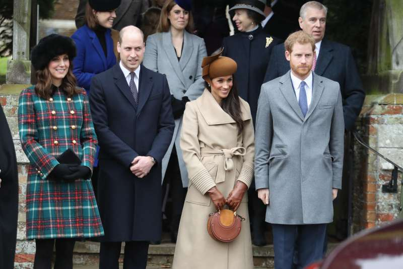 "Woman Took A Successful Christmas Photo Of The Royal ""Fab 4"" And Was Able To Quit Work And Travel To Paris"