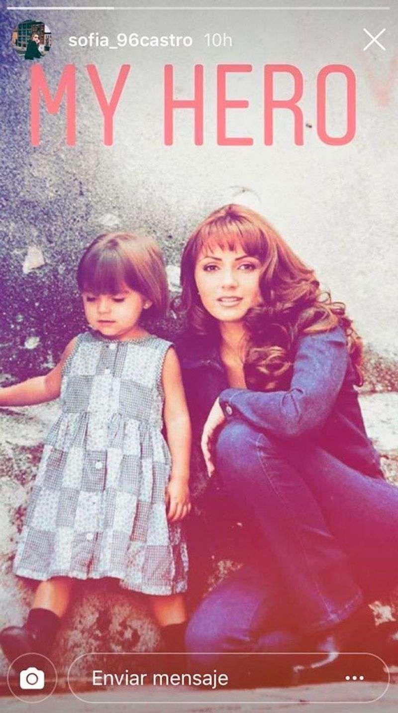 Sofía Castro se puso nostálgica y sacó del baúl de los recuerdos fotos de su infancia junto a su madre