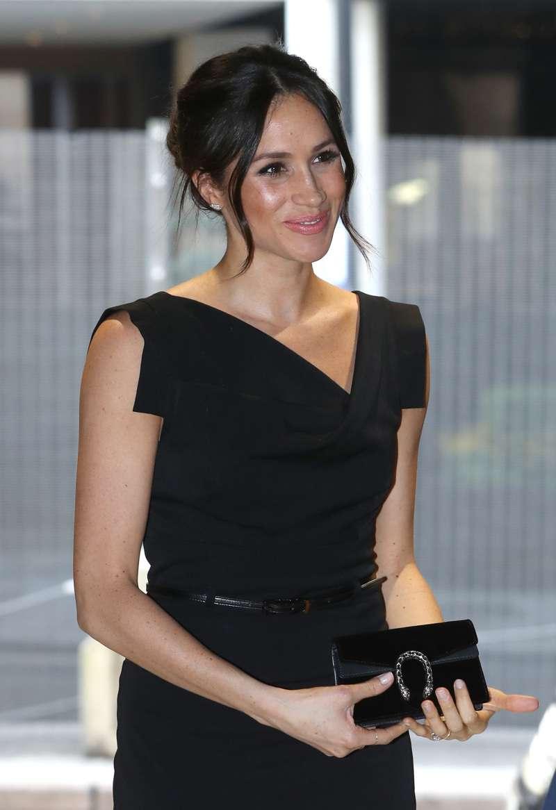 Wie schafft es Meghan, jünger und trendiger auszusehen als Kate? Schmuck-Experte erklärt
