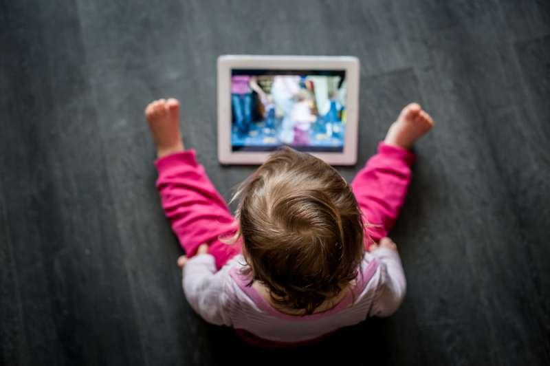 Eltern aufgepasst! Wie Tablets die kognitive Entwicklung von Kindern tatsächlich beeinflussenbaby tablet