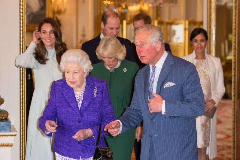 La reina Isabel y su hijo siempre viajan con un elemento extravagante que les salvaría la vidaLa reina Isabel y su hijo siempre viajan con un elemento extravagante que les salvaría la vidaLa reina Isabel y su hijo siempre viajan con un elemento extravagante que les salvaría la vidaLa reina Isabel y su hijo siempre viajan con un elemento extravagante que les salvaría la vidaLa reina Isabel y su hijo siempre viajan con un elemento extravagante que les salvaría la vidaLa reina Isabel y su hijo siempre viajan con un elemento extravagante que les salvaría la vida