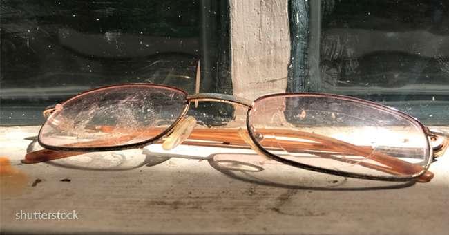4 einfache wege um kratzer von brillen zu entfernen bei. Black Bedroom Furniture Sets. Home Design Ideas