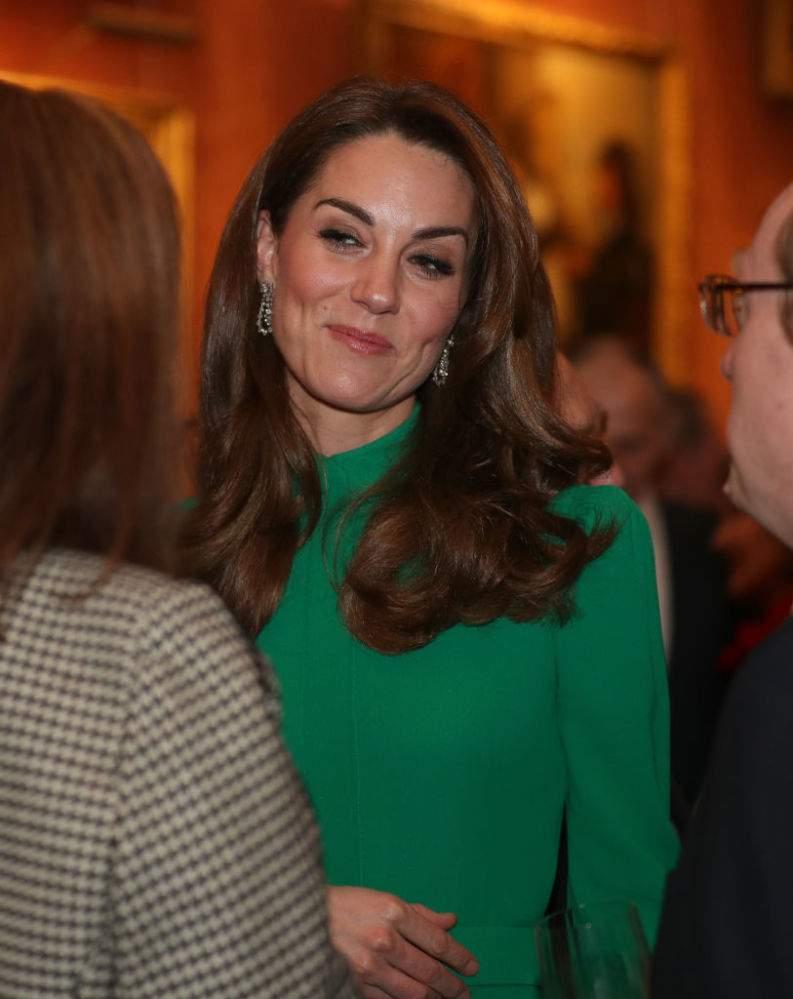La duchesse Kate éblouissante en robe verte à la réception de l'OTAN organisée par la reine Elizabeth