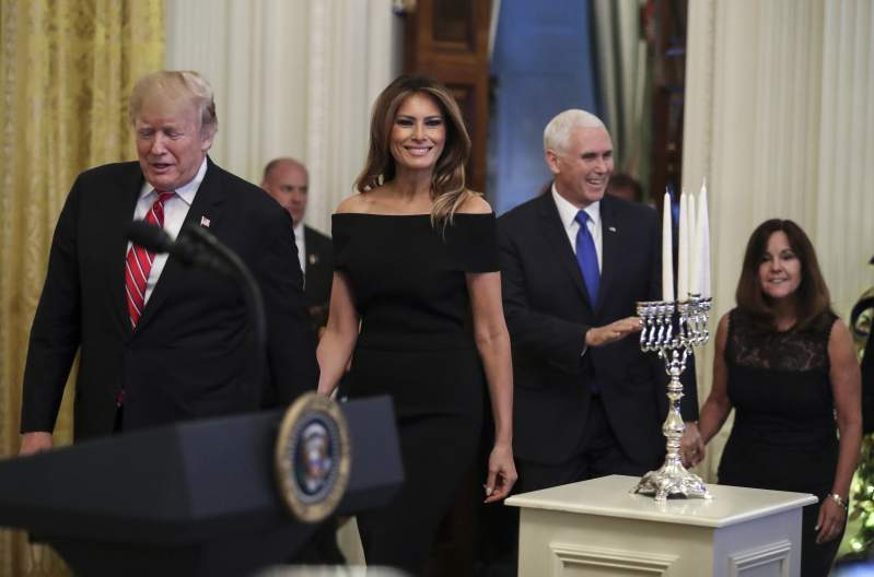 Melania Trump's Tight Off-The-Shoulder Dress Is Praised On Social Media: Tips On How To Reach Such A BodyMelania Trump's Tight Off-The-Shoulder Dress Is Praised On Social Media: Tips On How To Reach Such A BodyMelania Trump's Tight Off-The-Shoulder Dress Is Praised On Social Media: Tips On How To Reach Such A BodyMelania Trump's Tight Off-The-Shoulder Dress Is Praised On Social Media: Tips On How To Reach Such A Body