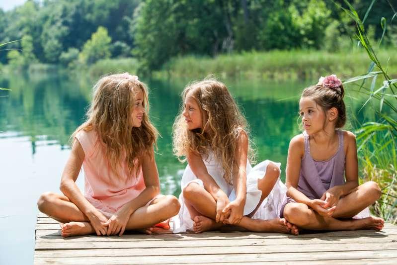 Pour la Journée des filles, les stars ressortent leurs photos d'enfance !Pour la Journée des filles, les stars ressortent leurs photos d'enfance !