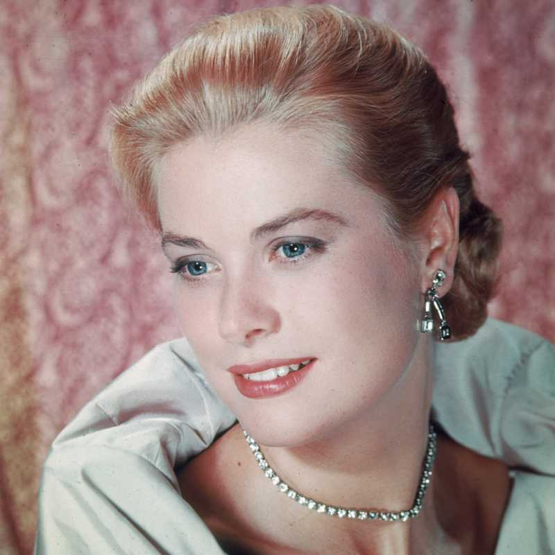 American actress Grace Kelly
