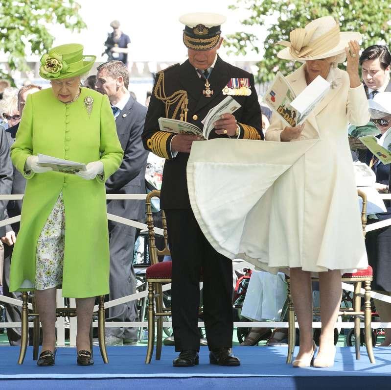 12 moments Marilyn Monroe immortalisés : le vent espiègle à joué dans les jupes des dames de la famille royale