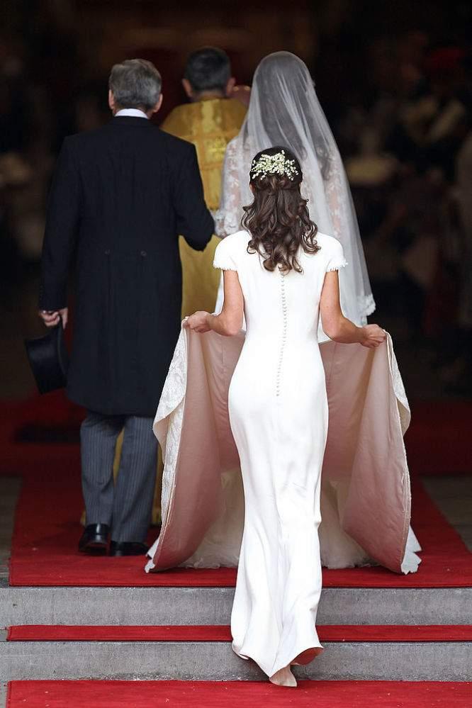 "Experto acusa a Pippa Middleton de haber usado un ""trasero falso"" para la boda de su hermana"