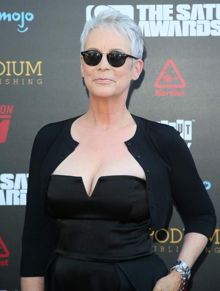Jamie Lee Curtis Cuts Her Superb Figure In A Chic Satin Pantsuit With A Low-Cut Bustier At The 45th Saturn AwardsJamie Lee Curtis Cuts Her Superb Figure In A Chic Satin Pantsuit With A Low-Cut Bustier At The 45th Saturn AwardsJamie Lee Curtis Cuts Her Superb Figure In A Chic Satin Pantsuit With A Low-Cut Bustier At The 45th Saturn AwardsJamie Lee Curtis Cuts Her Superb Figure In A Chic Satin Pantsuit With A Low-Cut Bustier At The 45th Saturn Awards