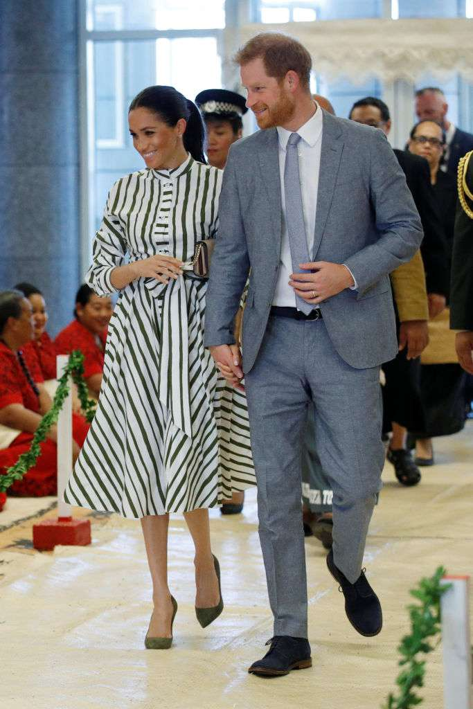 Is Meghan Markle Overworking In Heels? Duchess Sighted With A Bunion While Barefoot On Tour In New ZealandIs Meghan Markle Overworking In Heels? Duchess Sighted With A Bunion While Barefoot On Tour In New Zealand