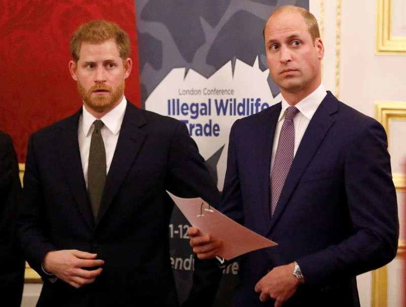 """""""Ridicolo"""": il brevissimo messaggio di Meghan e Harry per il compleanno di William lascia basiti i fans"""