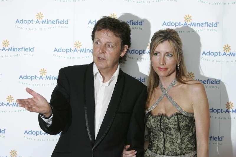 Mit Ruhm kann man kein Glück kaufen: Paul McCartney hat zwei geliebte Frauen an Brustkrebs verloren