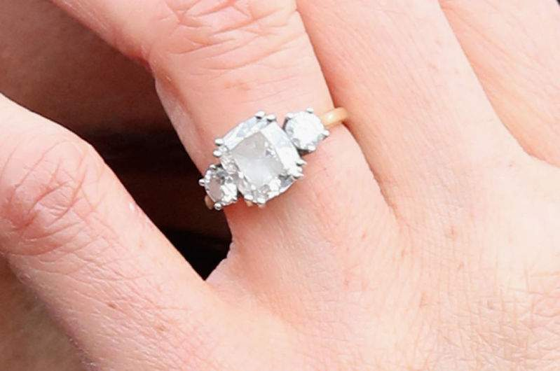 Princess Beatrice Copied Meghan S Engagement Ring As Both Pieces