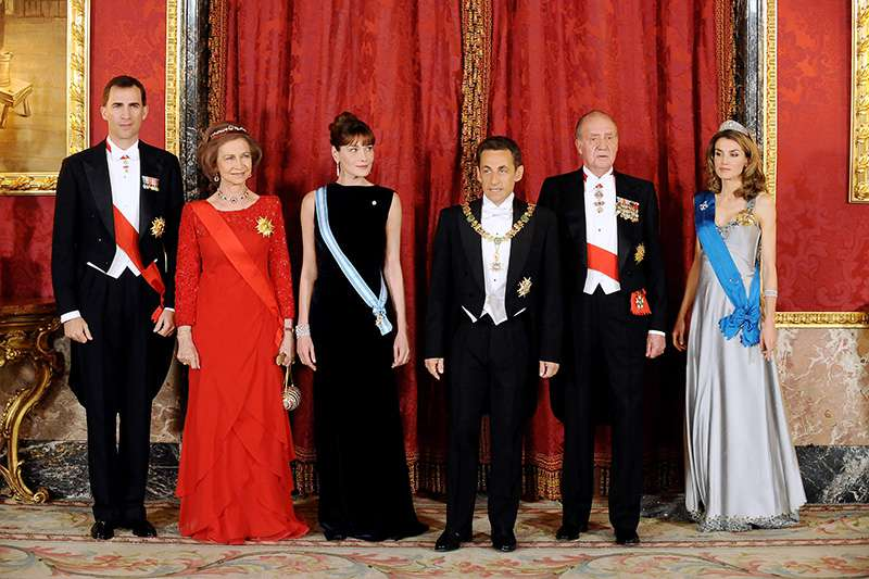 Fashion Lesson That Queen Letizia Once Learned From Her Biggest Rival, Carla Bruni