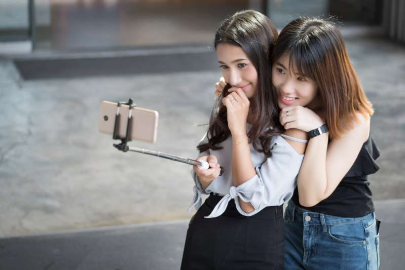 7 Signs That You've Met Your Twin Soul. Are You Among The Few Lucky Ones?happy women taking selfie photograph together: sisterhood