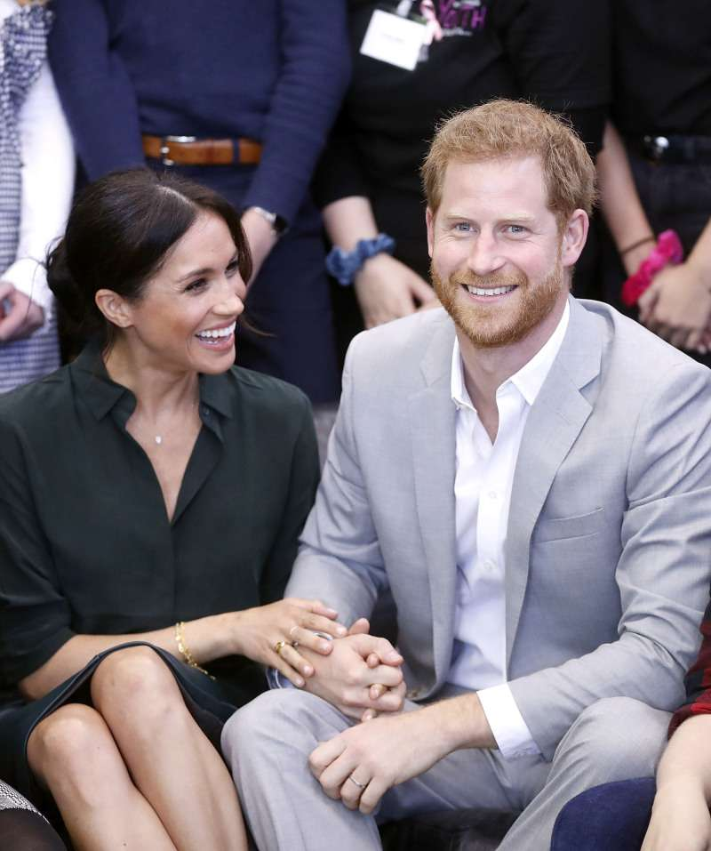 "Why Meghan Markle ""Flirts"" With The Public And Even Shows Her Tongue! Expert Shares Her OpinionPrince Harry Meghan Markle love body language"
