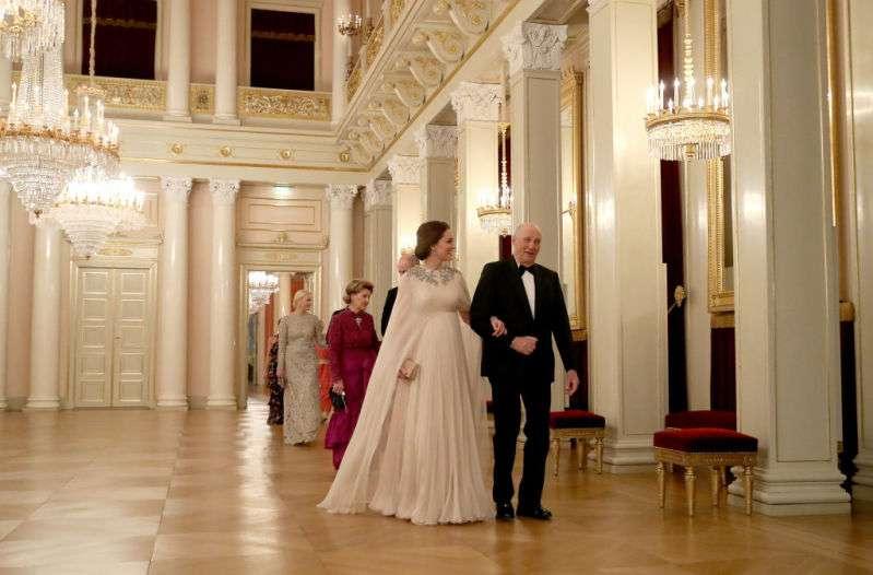 Cette robe rose de Kate Middleton est l'un de ses plus beaux looks de grossesse