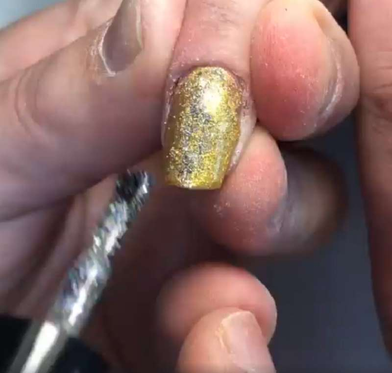 Woman Neglected Her Nails For Ages. The Nail Artist Came To The Rescue With A Gorgeous Manicure!