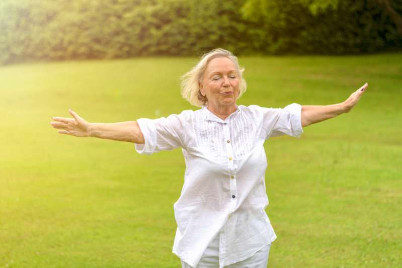 Falls At Old Age Is Common For Women, But It Can Be Prevented With These Balance Exercises