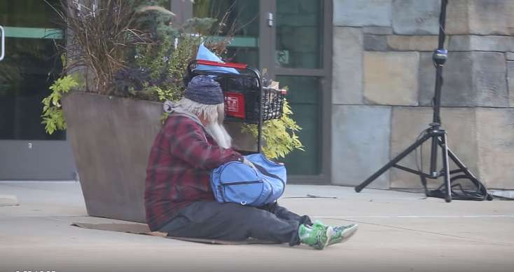 """""""I Was Crying Inside That Beard"""": Pastor Dressed As Homeless Was Blown Away By The Treatment He Received Outside The Church"""