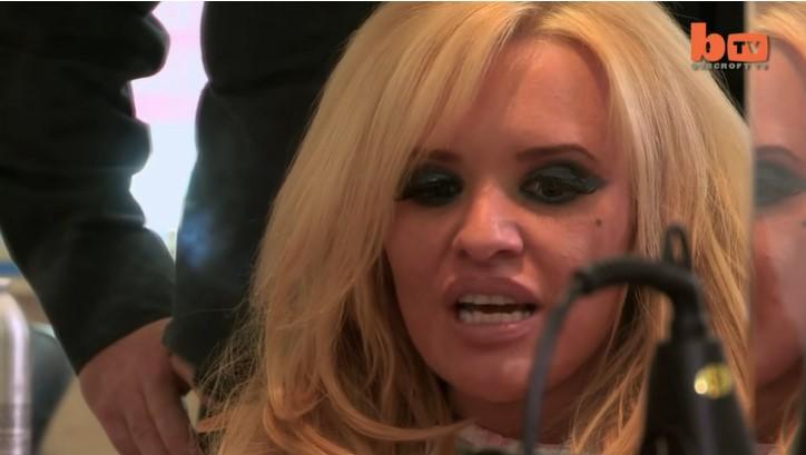 Elle avoue avoir dépensé des milliers d'euros pour ressembler à Pamela Anderson