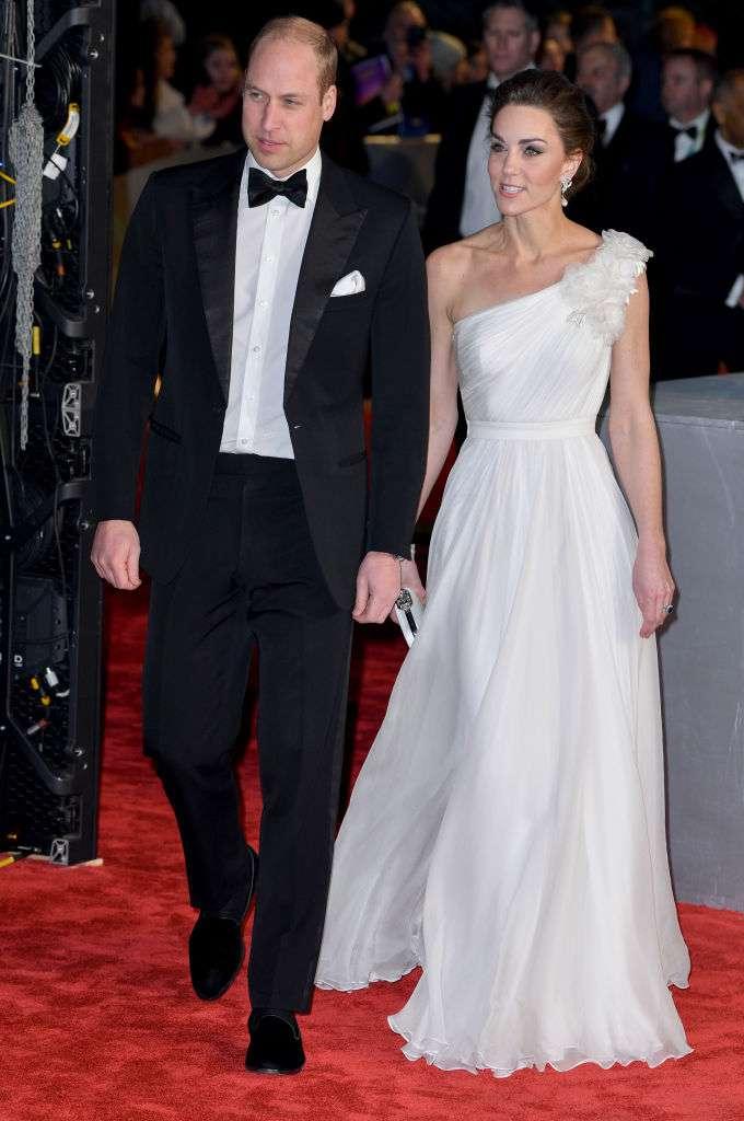 Kate Middleton hat wieder einmal Lady Dis Kleid kopiert. Wem stand es besser?-